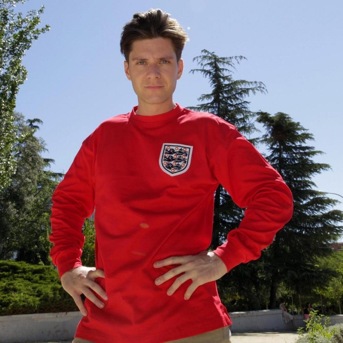 England's retro jerseys: Original gift for men football supporters